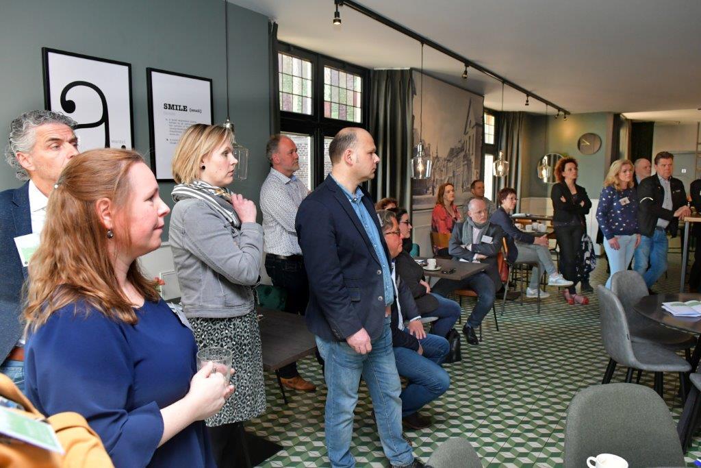 deelnemers tijdens het Groei cafe